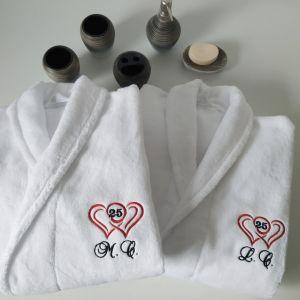 Cadou personalizat 25 de ani de casatorie halate de baie personalizate
