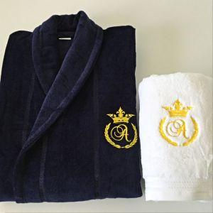 Set cadou barbati halat de baie si prosop personalizate cu monograma