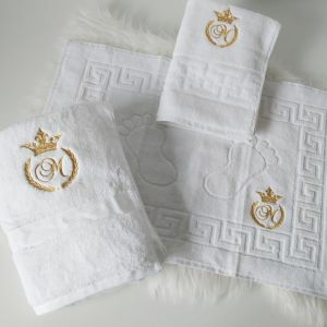 Set complet prosoape personalizate cu monograma coroana