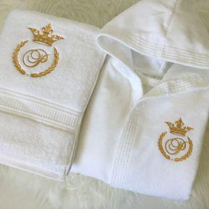 Set halat si prosop copii personalizat cu monograma coroana