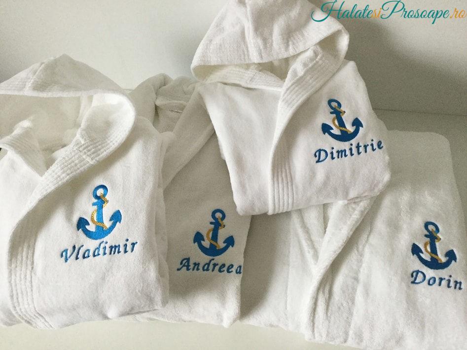 Cadou de familie cu tema nautica halate personalizate