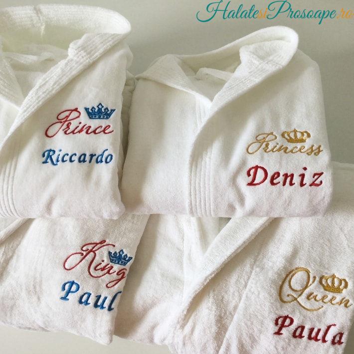 Cadou de familie mama tata si 2 copii halate personalizate